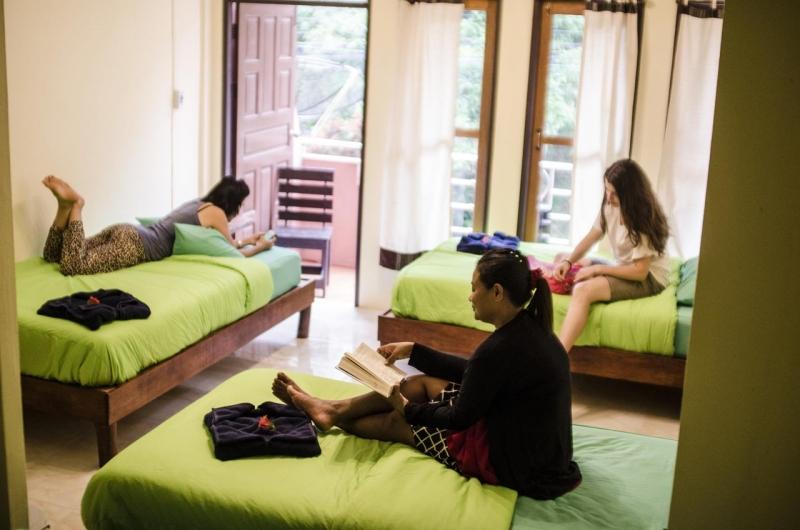 Экономное бронирование хостела с односпальными кроватями
