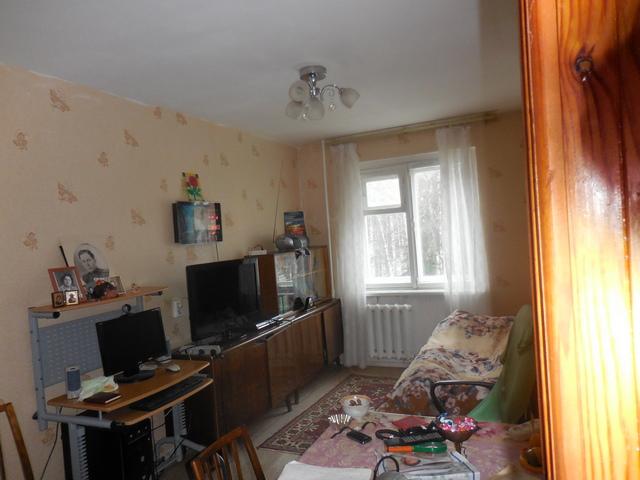 Трх-комнатная квартира в центре Академгородка.