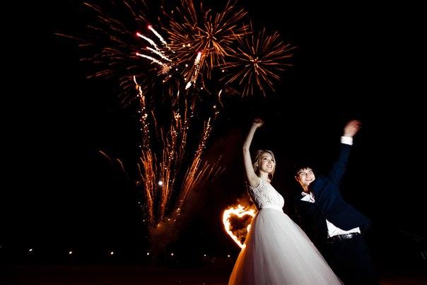 Заказать проведение салюта на свадьбу в Пазл
