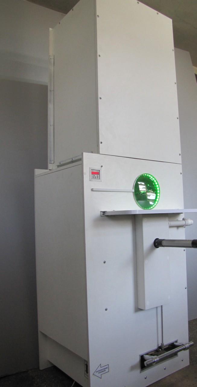 Установка-дозатор для производства курток-пуховиков.
