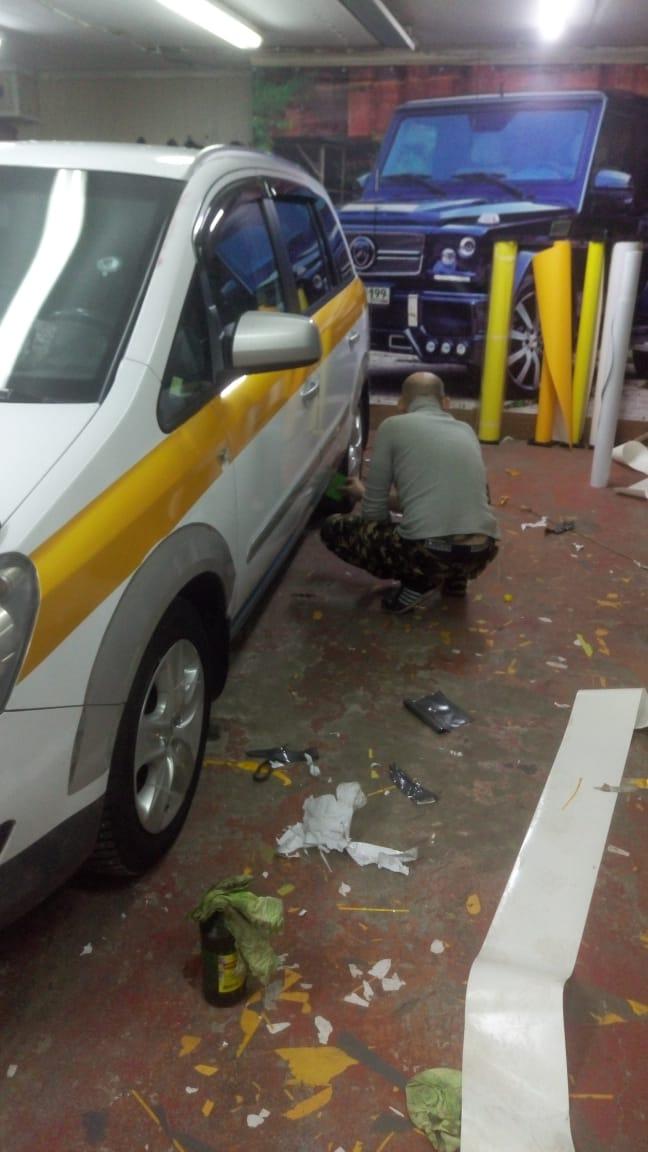 Оклейка Авто под Такси