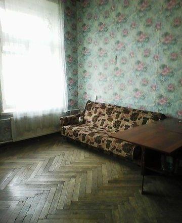 Сдается комната в 4х комнатной квартире.