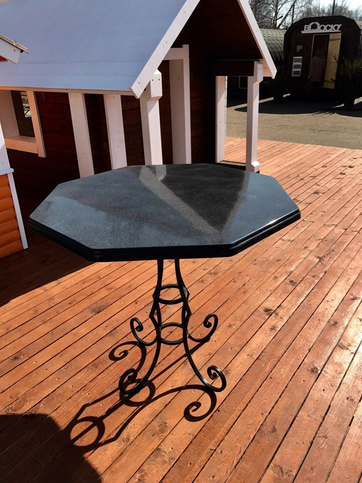 Стол, столешница, подоконник из искусственного камня